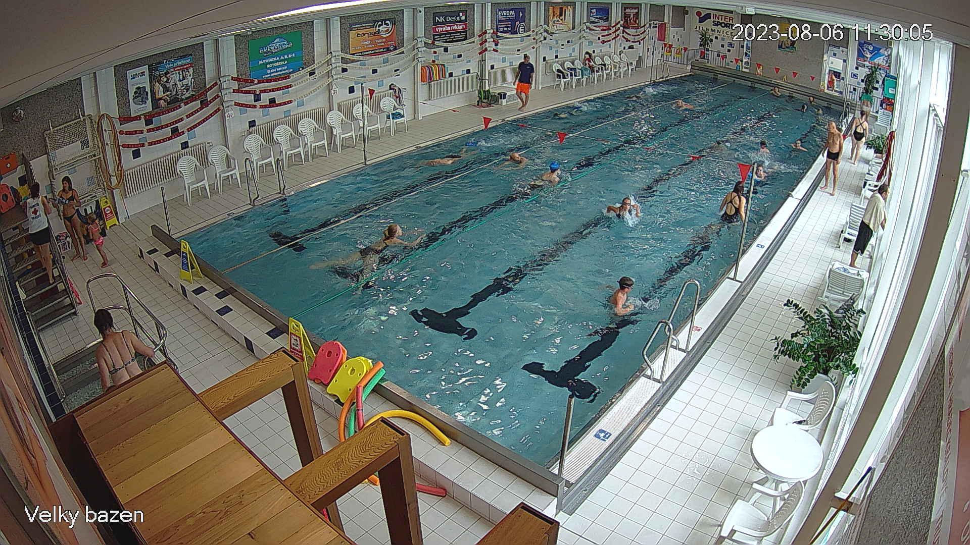 Velký plavecký bazén